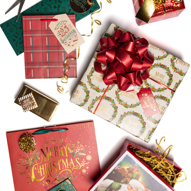 Traditional Christmas Gift Wrap Range