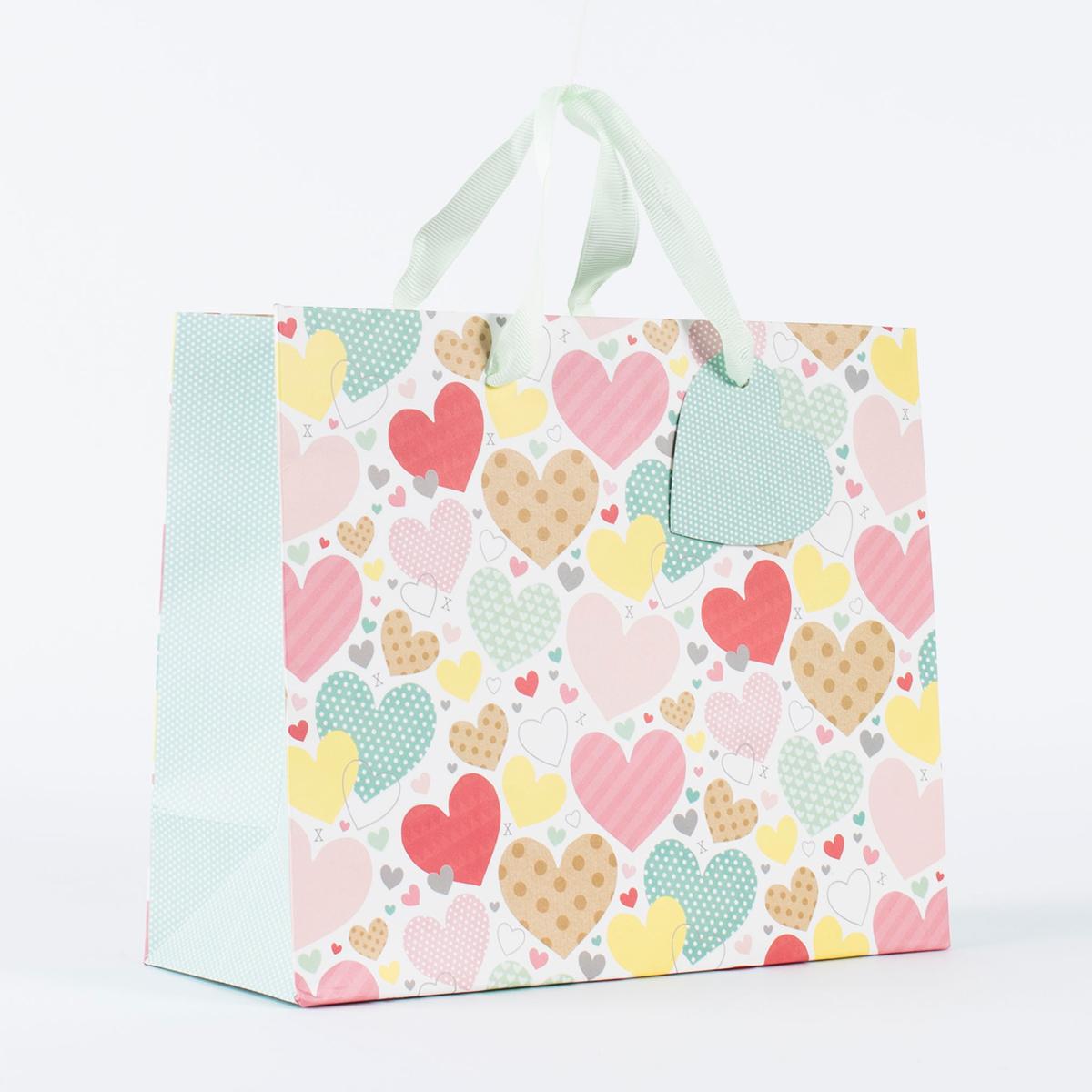 buy hearts  kisses medium gift bag for gbp 099  card